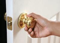 door-knob-placement